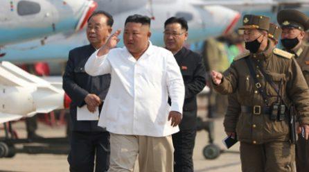 김정은위원장 서부지구항공·반항공사단관하 추격습격기연대시찰