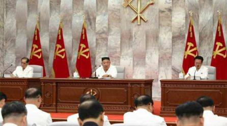 김정은위원장, 당중앙위제7기제14차정치국확대회의진행