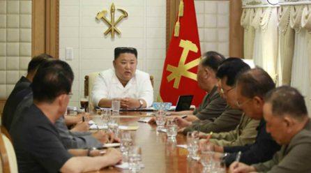 김정은위원장, 수해피해지역에서 정무국확대회의소집